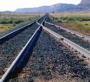 Train_tracks_converging_1